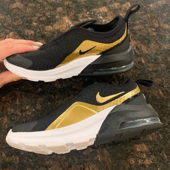 Nike Shoes   Nike Air Max Motion 2 Size